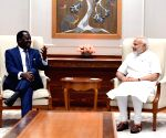 Former Kenyan PM meets Narendra Modi