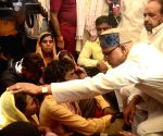 Shivraj Singh Chouhan meets the family of 8-year-old