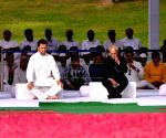Pranab Mukherjee, Rahul Gandhi pay tribute to Nehru on death anniversary