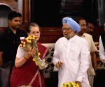 Congress Parliamentary Party meeting - Sonia Gandhi, Manmohan Singh