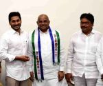 TDP's Jupudi Prabhakar, Janasena's Akula Satyanarayana join YSRCP