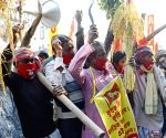 Forward bloc leaders & activists express solidarity with farmers' agitation, protest against Central Govt's Farm Laws