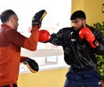 Indian boxers reach Spain, start with light training sessions