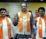 Alpesh joins BJP, says quit 'bad school to join Gurukul'