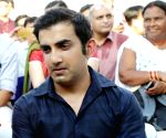 Gambhir for strict action over cop's death in anti-CAA stir