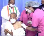 CM Gehlot & former CM Vasundhara get vaccinated in Rajasthan