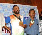 Pranab Bardhan, Shibhnath Sarkar at felicitation programme
