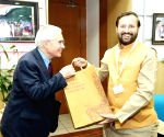 Greater Noida: British economist Nicholas Stern meets Prakash Javadekar