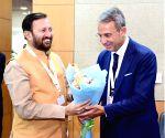 Greater Noida: Italian Environment Minister meets Prakash Javadekar