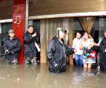 Guang'an: Rainstorm causing waterlogging
