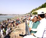 Thousands partake in clean Sabarmati drive