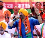 With popular dialogues, Sunny begins Gurdaspur campaign