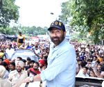 EC notice to Sunny Deol for poll code violation