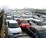 Commuters gripe over Gurugram traffic gridlock