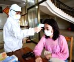Virus cases cross 75k, worries in Japan as cruise passengers come off