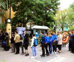 (WORLD SECTION) VIETNAM HANOI CUBA CASTRO PAY TRIBUTE