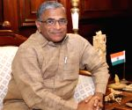 '...Derek tried to snatch papers', Harivansh's blow by blow retort