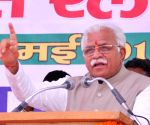 Commuters coming from Delhi have spread corona in Hry: Khattar
