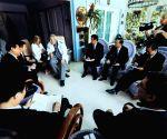 Xi Jinping meets Fidel Castro
