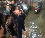 Heavy rain AIMIM caravan MLA Kausar Mohiuddin saw flood water caravan Hakimpet in Hyderabad