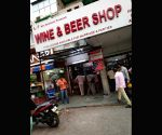 Alcohol shops witness rush after polling ends in Delhi