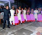 Himachal CM celebrates Lohri