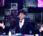 Himesh Reshammiya gives Bollywood offer to reality show participants