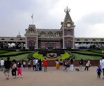 HK Disneyland posts $348mn net loss