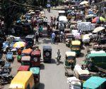 Huge crowd at Khari Baoli market in new Delhi