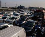 Huge traffic snarls on National Highway 48 amid farmer protests