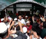 : Hyderabad: AIMIM President Asaduddin Owaisi MP visits Dargah Hazrat Sabir RA Piran Kaliyar Sharif Uttar Khan