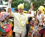 Andhra CM celebrates holi