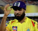 CSK's Imran Tahir shares tips with RR's Ryan Parag