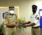 Free Photo:    Hyderabad cop's act of kindness winning hearts