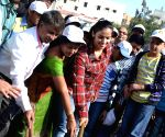 Saina Nehwal participates in Clean India Campaign