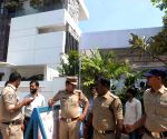 TRS, Congress workers clash at Revanth Reddy's residence