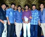 Success bash of film Patas