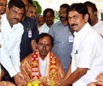 KCR visits Nalla Pochamma Temple
