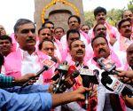 TRS legislators pay tribute at Telangana Martyrs Memorial