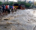 Hyderabad : Thunder wave with heavy rain   push localaties Banjara hills in Hyderabad.