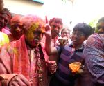 Bandaru Dattatreya celebrates Holi with BJP workers