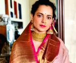 Free Photo: Kangana: If you don't know what to do on Navratri, worship your mother