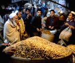 Pak inflation breaks 70-yr record during Imran Khan's tenure