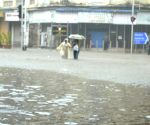 Impact of Cyclone Tautkte can be seen in Mumbai city too. Heavy rains in Mumbai