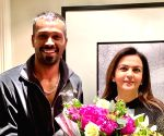 Nita Ambani visits Hardik Pandya in London