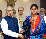 Vennam Jyothi Surekha meets Andhra Governor