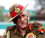 Army chief visits Central Command HQ at Lucknow