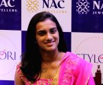 PV Sindhu felecitated with  jewellery worth Rs 6 lakh