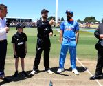 Tauranga (New Zealand):  3rd ODI - Virat Kohli with Kane Williamson at the toss