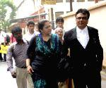 Teesta Setalvad arrives at Mumbai court